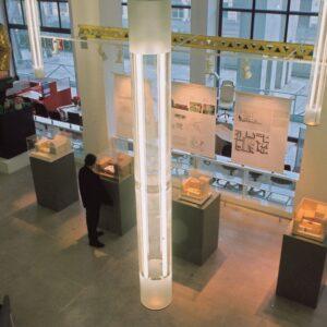 Výstava výsledků architektonické soutěže v kavárně Veletržního paláce, Praha 7