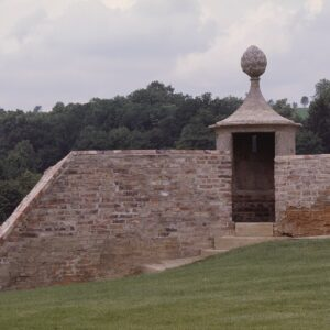 Opravený bastion v opevnění Chebského hradu