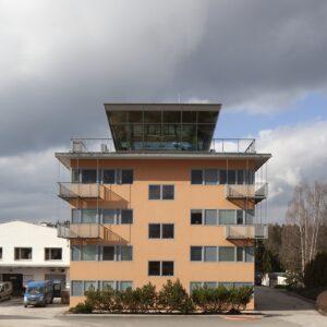 Administrativní budova El Nino, Nová Paka