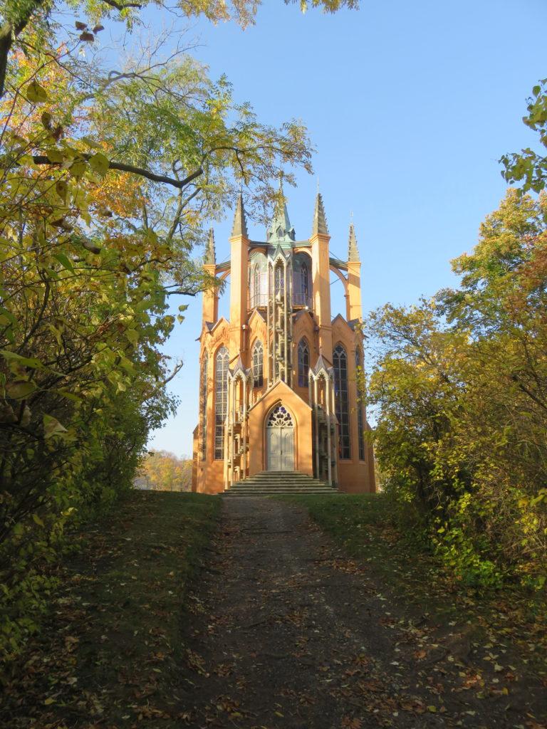 Krásný dvůr, rekonstrukce novogotické rozhledny zroku 1793 vzámeckého parku