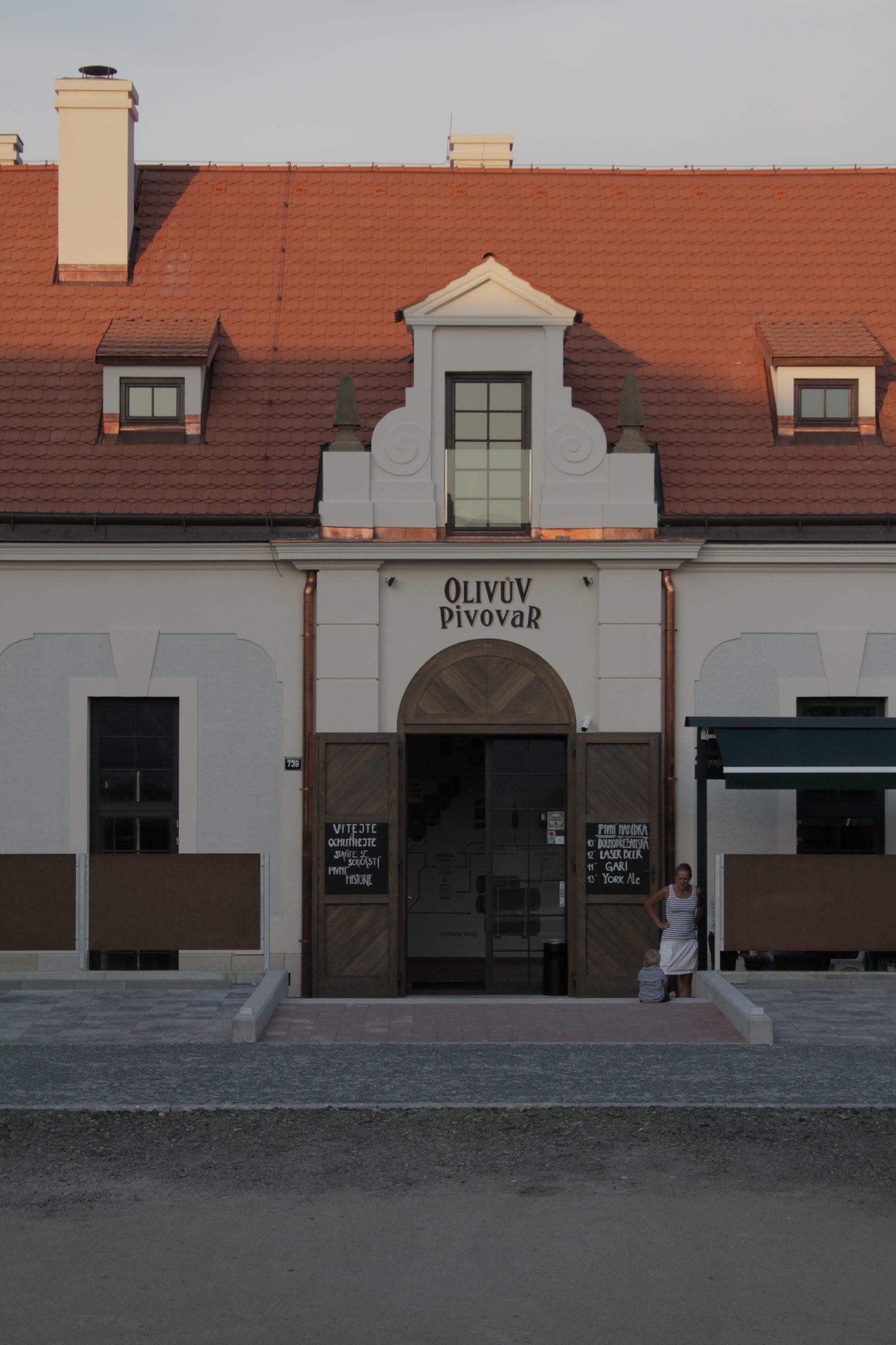 Olivův pivovar, exteriér restaurace