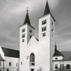 Bazilika v areálu kláštera premonstrátů, Milevsko