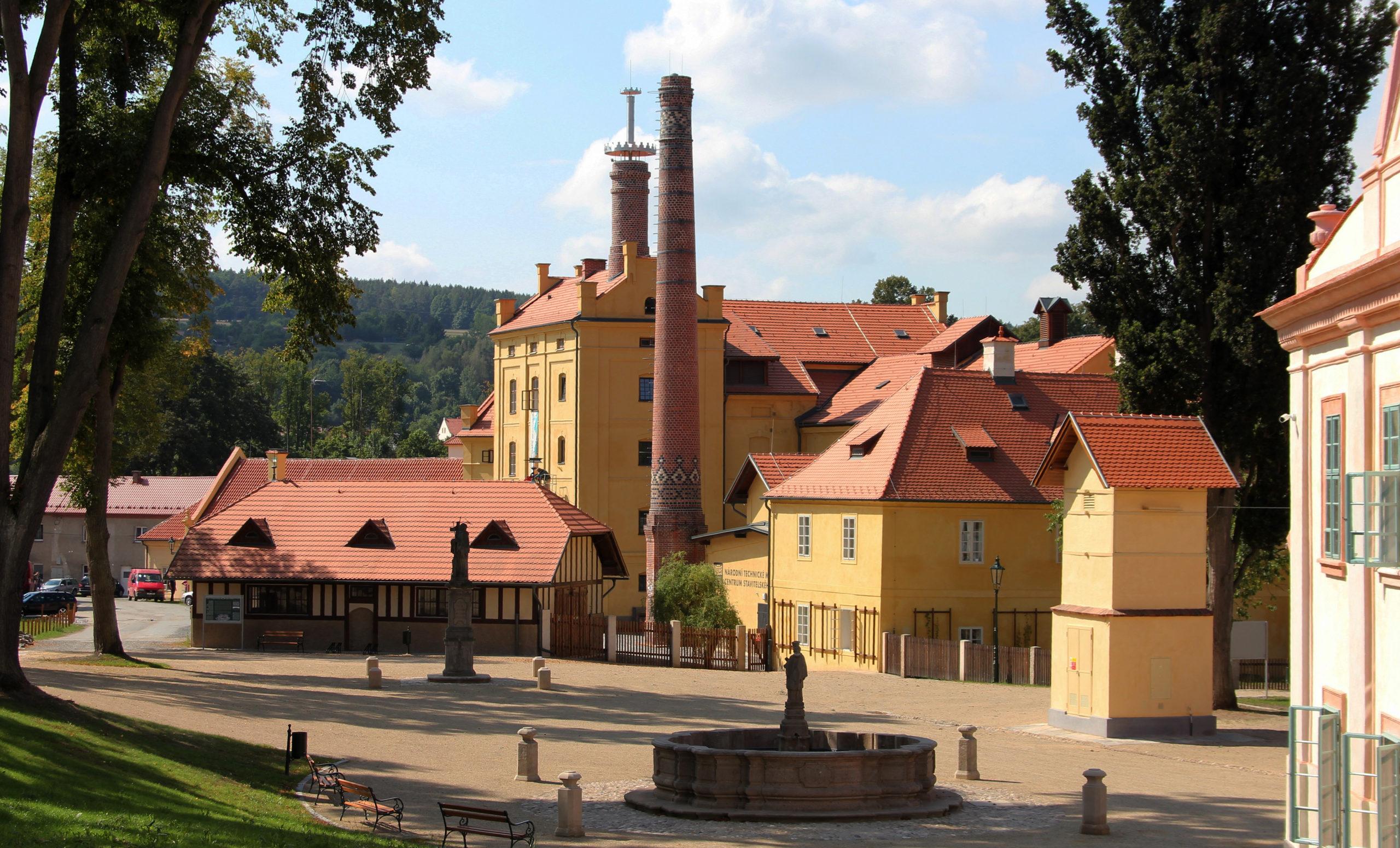 Rehabilitace ploch mezi klášterními a hospodářskými objekty, Plasy
