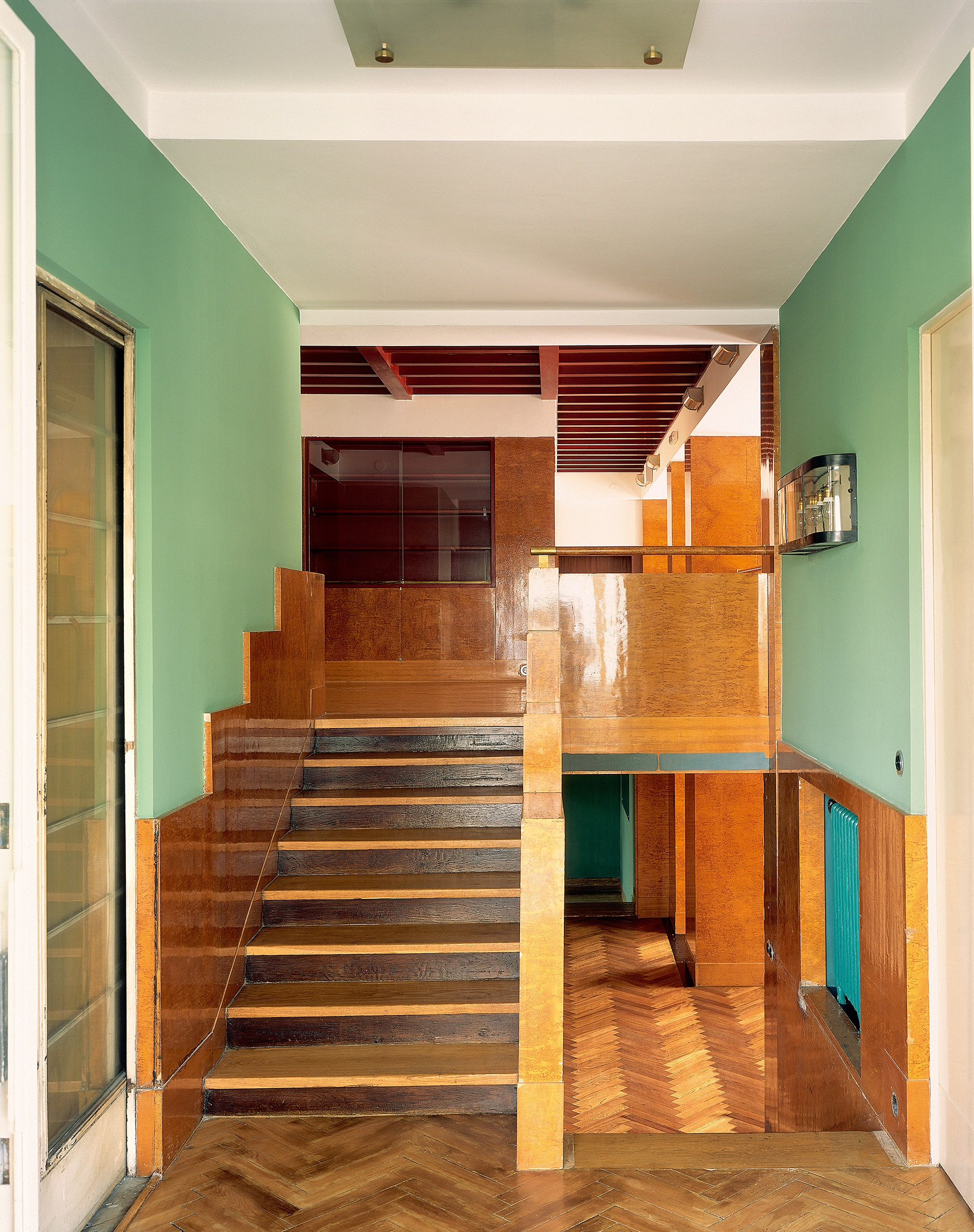 Vstupní hala Semlerova bytu a schodiště do mezipatra, Klatovská ulice, Plzeň